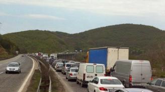 """Утре временно движението в тунел """"Ечемишка"""" на АМ """"Хемус"""" в посока Варна ще се осъществява в една лента"""
