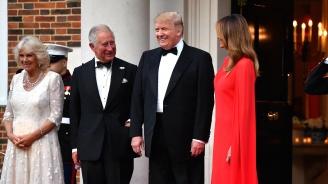 Доналд и Мелания Тръмп дадоха вечеря за домакините в посолството на САЩ в Лондон