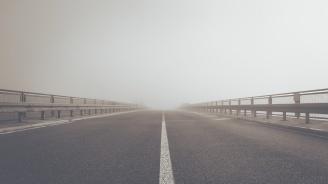 Мъж загина при преминаване с кола по затворен мост