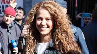 Шакира се яви пред съда за укрити данъци