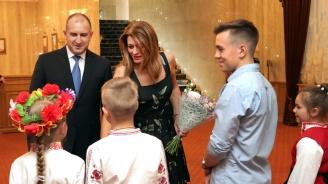 Румен Радев пред наши сънародници в Санкт Петербург: Имаме общ дълг и отговорност да пазим езика, културата и традициите си