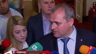 Искрен Веселинов: Коалицията не работи поне от шест месеца