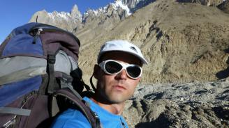 В Русе се състоя поклонение пред тленните останки на алпиниста Иван Томов