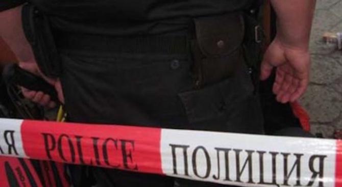 Задържаха 37-годишна жена, намушкала мъжа, с когото живее на семейни начала