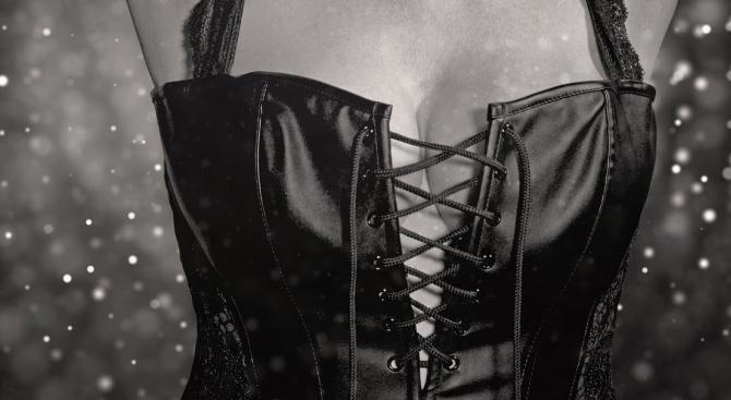 Гледането на женските гърди удължава живота на мъжете