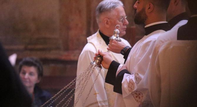 Католическите епископи в САЩ бистрят кризата със сексуалните злоупотреби