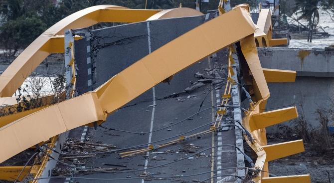 Придошла река разруши мост в Южен Китай, предаде държавната телевизия