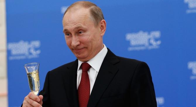 Владимир Путин вдигна тост за благополучието на съгражданите си