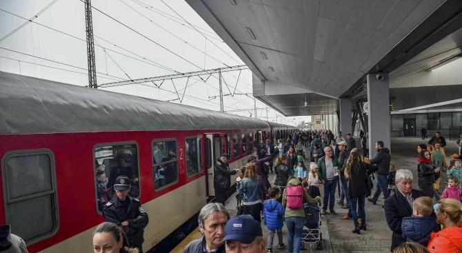 БДЖ въвежда предварителна продажбана билети за влаковете през летния сезон