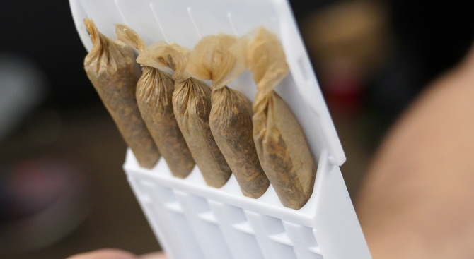Скандал с марихуана се разгоря в политическия живот на Израел,