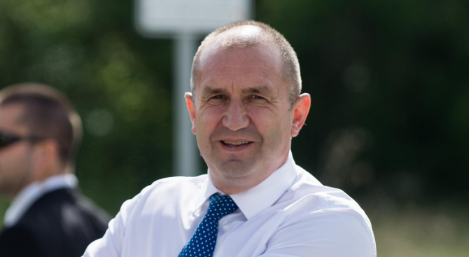 Президентът Румен Радев ще посети село Труд (област Пловдив), съобщиха