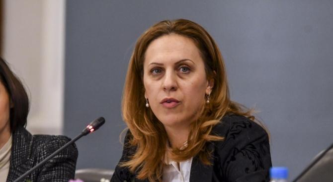 Заместник министър-председателят по икономическата и демографската политика Марияна Николова ще