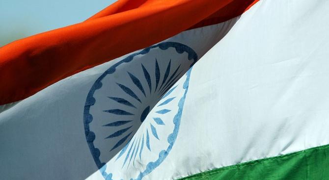 Индия налага от днес ответни мита на 28 американски стоки,