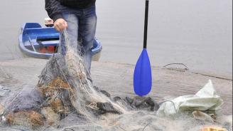"""25 килограма риба е извадена от бракониерски мрежи в язовир """"Ястребино"""""""