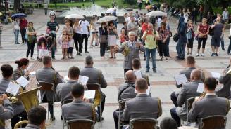 Военните духови оркестри търсят нови музиканти за съставите си