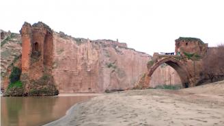 Турция потапя древен град на река Тигър заради язовир