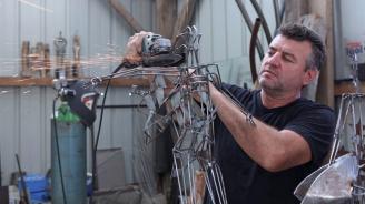 Известният скулптор Живко Седларски пристигна от Франция за самостоятелна изложба в Пловдив