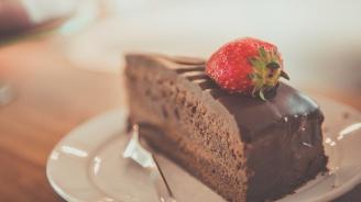 Държавата забрани тортите и вафлите в детските градини
