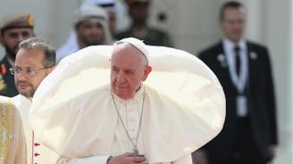 Папа Франциск: Към бедните се отнасят като към отпадъци