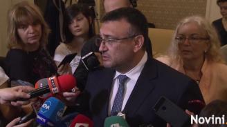 Младен Маринов за акциите срещу кабелните оператори: Няма нищо показно