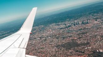 Пътнически самолет закачи пистата с опашката си при кацане в Краснодар