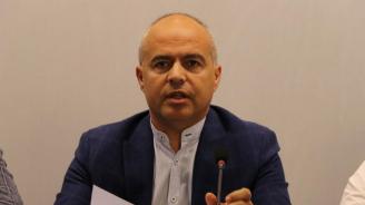 Георги Свиленски: Корнелия Нинова показа, че е отговорен лидер