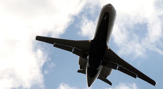 Самолет Boeing 737-300 на ALK Airlines, с регистрация LZ-MVK, изпълняващ