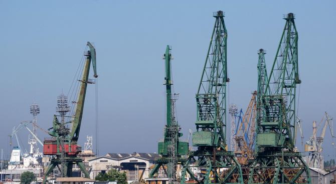 Нова фирма в обработката на пристанищни товари се появи у