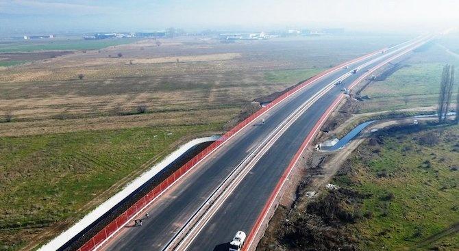 Няма пропадане на Северната скоростна тангента и опасност за моста над река Искър