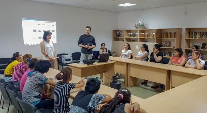 Информационна среща за трафика на бременни жени се състоя в