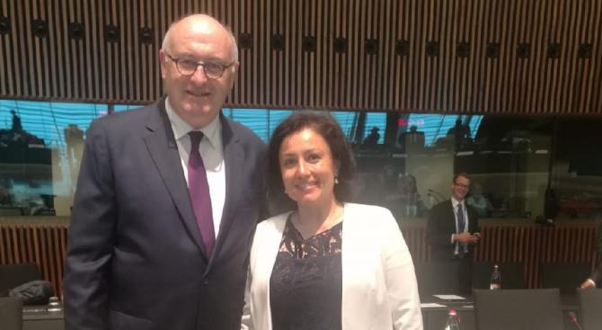 Министър Танева взе участие в заседание на Съвета по земеделие и рибарство в Люксембург