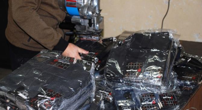 Голямо количество стоки с лого на защитени марки са иззети