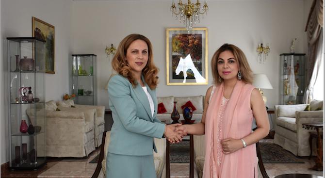 Заместник министър-председателят по икономическата и демографска политика Марияна Николова и