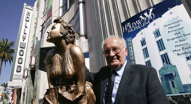 Откраднаха прочутата статуя на Мерилин Монро от Холивуд