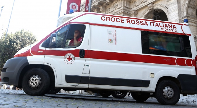 Спасители извадиха днес две тела изпод развалините на разрушена от