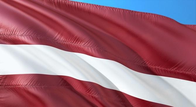 Латвия разшири забраната за съветски и нацистки символи, която ще