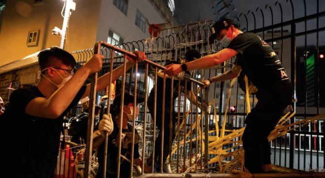 Нови протести в Хонконг