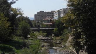 Започна ремонтът на моста при бившите хали в Благоевград