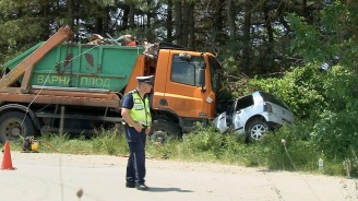 Две жени загинаха в катастрофа във Варненско, дете е в тежко състояние