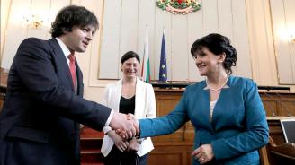 Цвета Караянчева: Изразяваме пълна подкрепа за суверенитета и териториалната цялост на Грузия