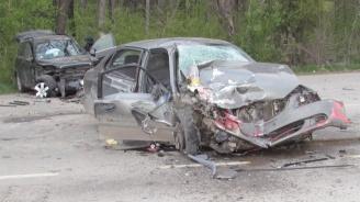 Пътят между Свищов и село Ореш е затворен за движение заради тежка катастрофа със загинал