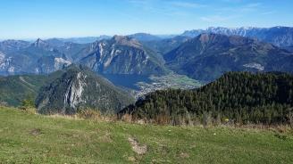 Облекчаващ се немски турист падна в 100-метрова планинска пропаст
