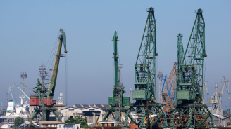 Фирма на Ахмед Доган ще строи пристанище край Варна