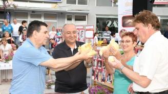 Кметът на Тетевен бе гост на тържества в град Радовиш, Северна Македония