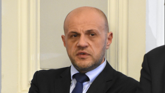 Акция с тайни клиенти констатира много нарушения в администрациите, Дончев постави ултиматум