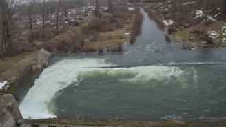 Жена се удави, докато се опитва да паркира