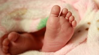 Бебе от Варна чака за операция в Белгия близо два месеца
