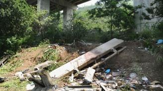Автобус падна в индийска урва. Над 40 убити