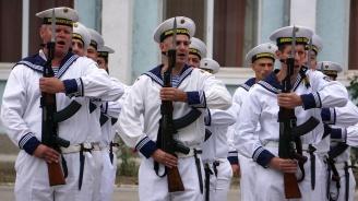 Кадетите от Военноморското училище във Варна получиха повишение в следващо военно звание