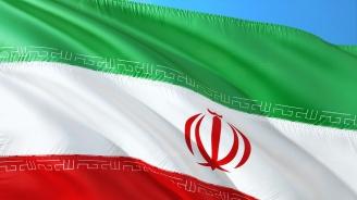 Иран заплашва САЩ с тежки последици за техните интереси в региона в случай на нападение